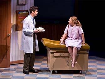 Sara Bareilles' Waitress Broadway billetter - Ved lægen