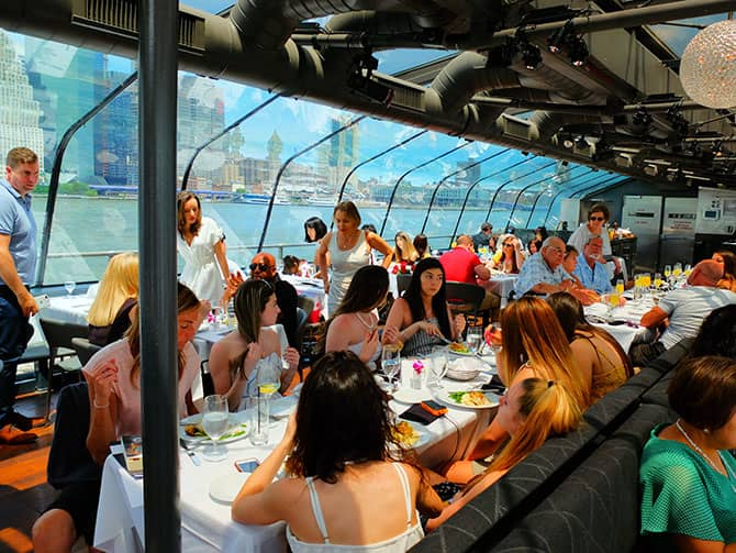Bateaux Cruise med frokost i New York - Frokost