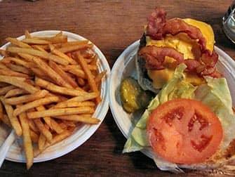 Bedste burger i New York - Corner Bistro