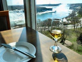 Dagstur fra New York til Niagara Falls med fly - Frokost ved Niagara Falls