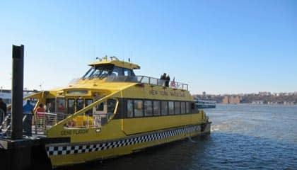 Hop-on-hop-off-cruise i New York - Båden