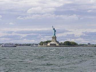 Søndagssejltur med champagnebrunch i New York - Frihedsgudinden