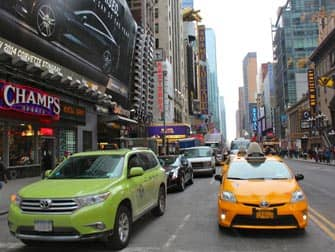Taxa i New York - Limegrøn taxa og gul taxa