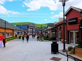 Woodbury Common Premium Outlet Center i New York - Butikker