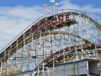 New York Pizza Tour til Brooklyn og Coney Island - Cyclone på Coney Island