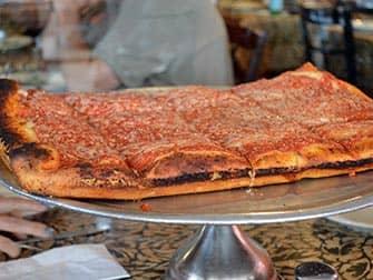 New York Pizza Tour til Brooklyn og Coney Island - Spumoni Gardens Pizza