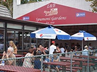New York Pizza Tour til Brooklyn og Coney Island - Spumoni Gardens