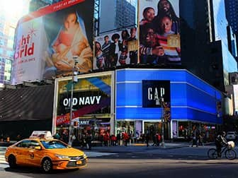 Times Square i New York - Old Navy og Gap