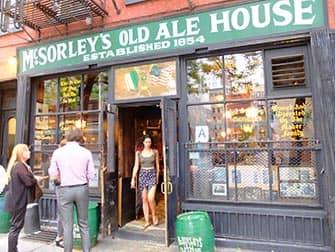 Guidet tur til hemmelige speakeasy barer i New York - McSorleys