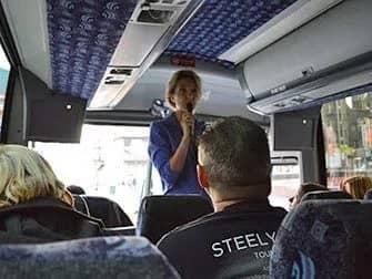 Guidet tur til tv- og filmlokationer i New York - Guide i bussen