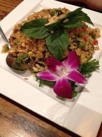 Vegetariske restauranter i New Yor - Stegte ananasris på Wild Ginger