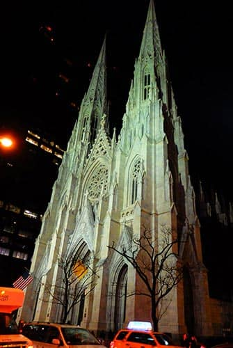 St. Patrick's Cathedral i New York - Aften