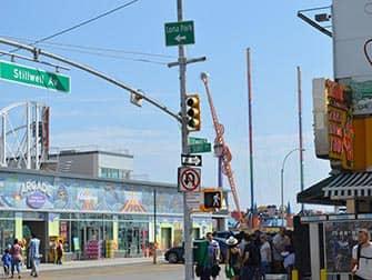 Coney Island i New York - Surf Avenue