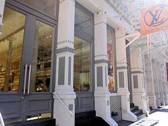 Shopping i SoHo - Louis Vuitton