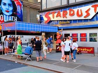Temarestauranter i New York - Ellen's Stardust Diner